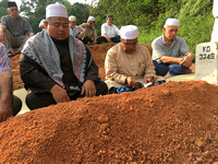 Mak's burial and funeral