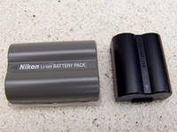 Nikon D200 Set - Rechargeable Battery vs FZ30